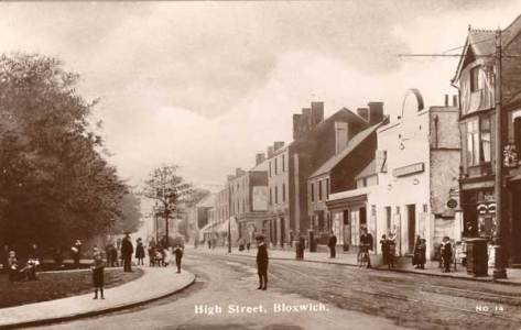 High Street, Bloxwich, showing the original Electric Palace/Theatre Cinema, about 1913