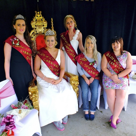 A bevy of beautiful Bloxwich Carnival Queens! L to R: Jessica Jones (2010), Alice Jones (2012, enthroned), Abigail Nicholls (2011), Sally Kirk (2009), Samantha Footman (2008).