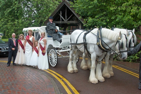 The Mayor, Bloxwich Carnival Royalty and a very special coach and horses last year.