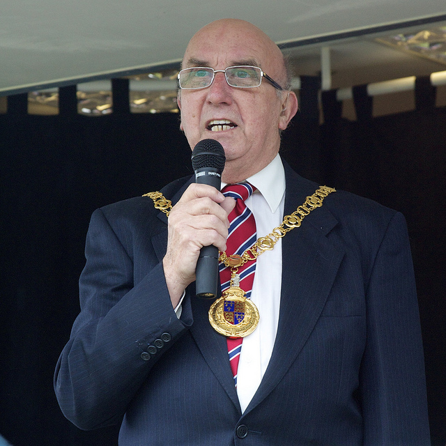 Mayor appeals for cancer charity