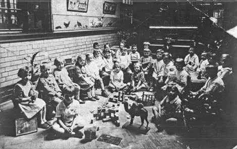 Reception class, Wolverhampton Rd School, c1920 (Walsall Local History Centre)