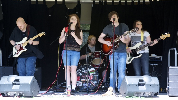 The excellent pop band Bella Diem play to an appreciative audience
