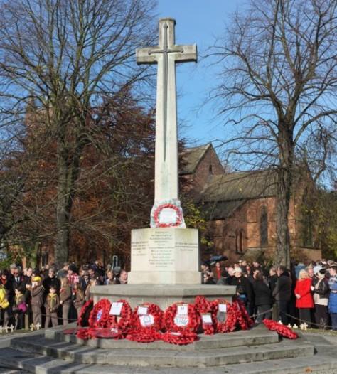 Bloxwich War Memorial - the village remembers... (pic Stuart Williams)