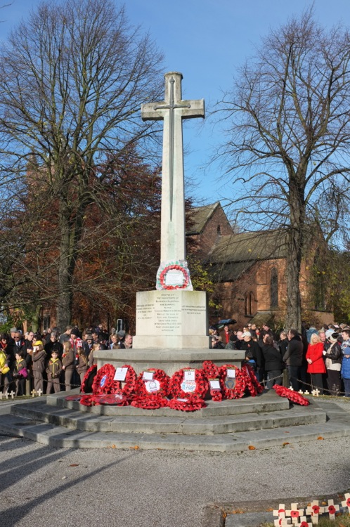 Bloxwich War Memorial - a village remembers...