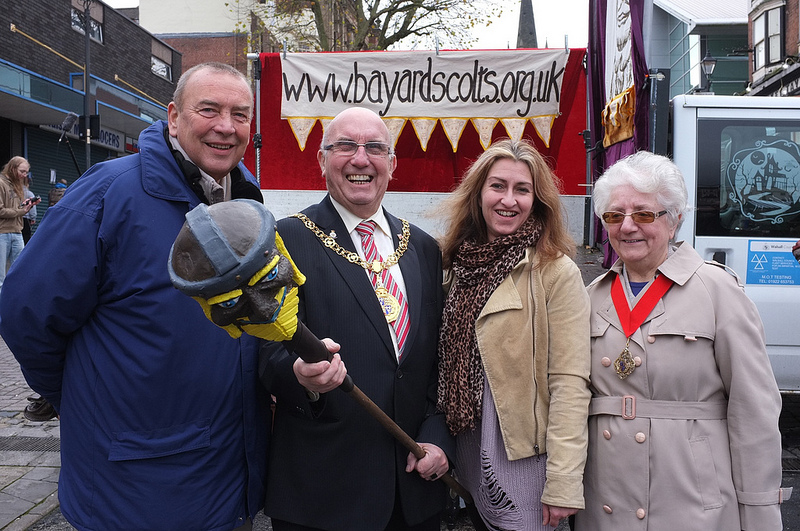 Walsall Civic Society Chairman and Bayard's Colts Project Director Tony Kemshall (left) meets Mayor of Walsall Cllr Dennis Anson, Pioneer Magazine editor Gill Thomas and Mayoress Mrs Kate Anson for the first ever performance of new Walsall Mummer's Play 'The Alchemist and The Devil'.