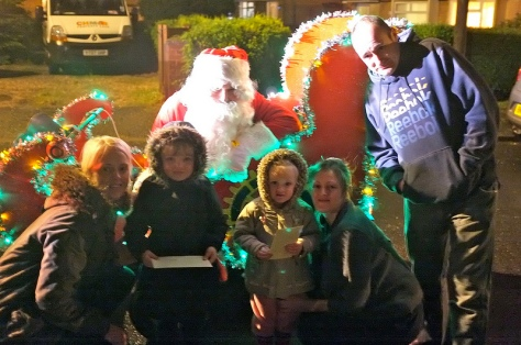 And last but not least - saying by bye to Santa till Christmas Eve in Castleton Rd...