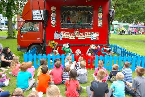 Pinxton's Puppets were Particularly Popular in the Park!
