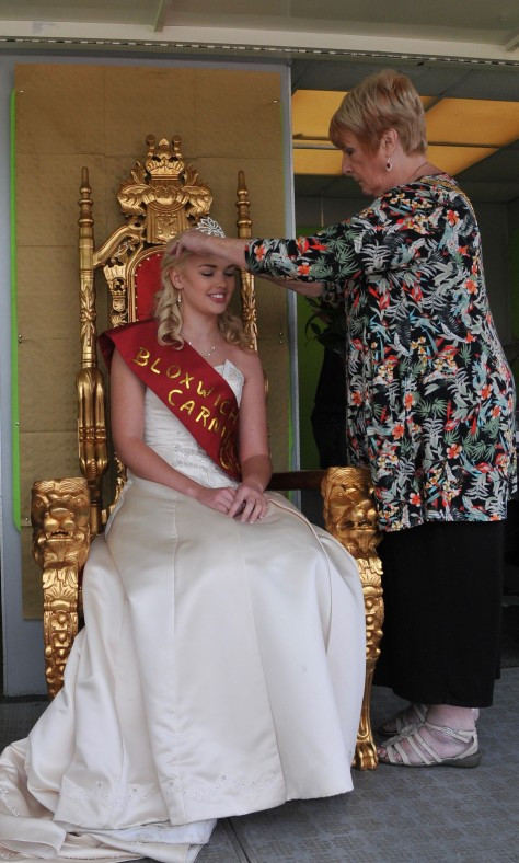 2015 Bloxwich Carnival Queen Charlotte Locke is crowned by Mayor of Walsall Cllr Angela Underhill