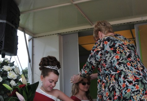 2015 Princess Alexandra Pearce is crowned by the Mayor