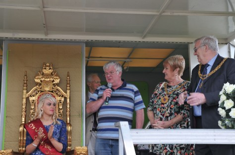 Chair of Bloxwich Carnival Committee, Cllr Shaun Fitzpatrick, welcomes one and all
