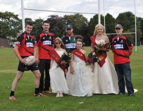 The lads from Bloxwich Rugby Football Club scored a touchdown when they got to meet Bloxwich Carnival royalty!