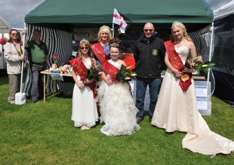 The Rotary Club of Bloxwich Phoenix were in a spin when the Bloxwcih Carnival royals dropped in to see their President