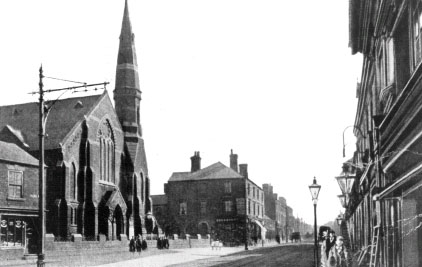 Bloxwich High Street and Victoria Avenue looking south, early 1900s