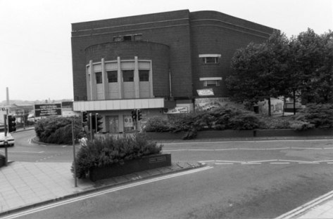 The Cannon cinema after closure, not long before demolition, 1994 (pic Stuart Williams)
