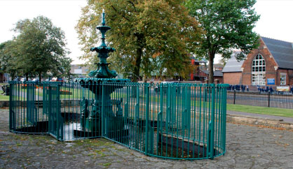 The Bloxwich Fountain was last restored and repainted, with new railings, in 2009-10.