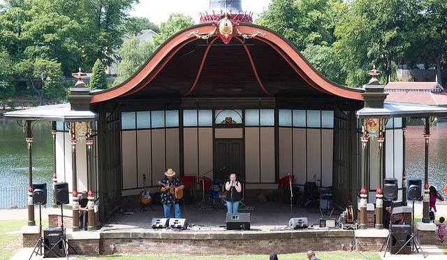 Want to grandstand at the bandstand?